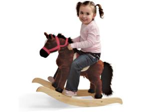 девочка на лошадке качалке