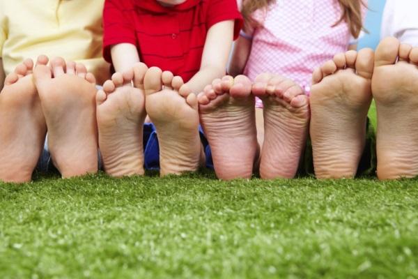 Детские ступни подошвы