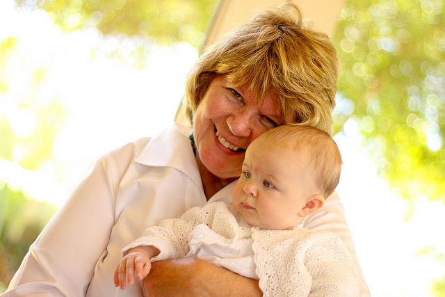 ребенок и бабушка
