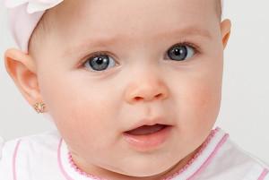 сережки у ребенка