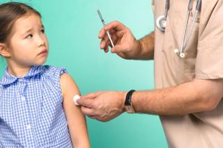 ребенок и прививка