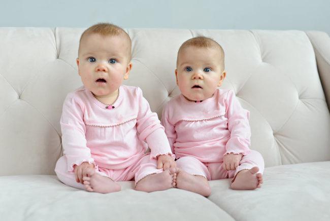 Как сделать что бы родились близнецы