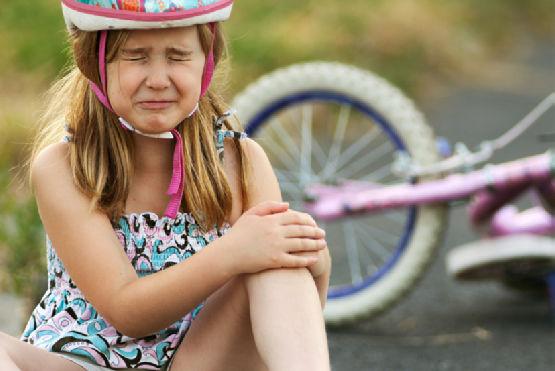Чем помазать ребенку ушиб
