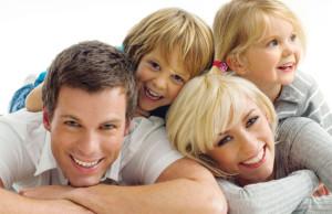 мама папа и двое детей